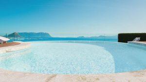 """""""Pool Suite & Luxury Pool Suite"""""""
